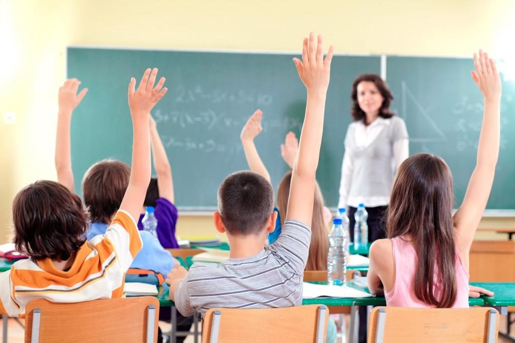 17-educatie_elevi_clasa_w2000_h1333_q100